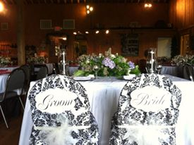 wedding reception seating at Stony Mountain Vineyard